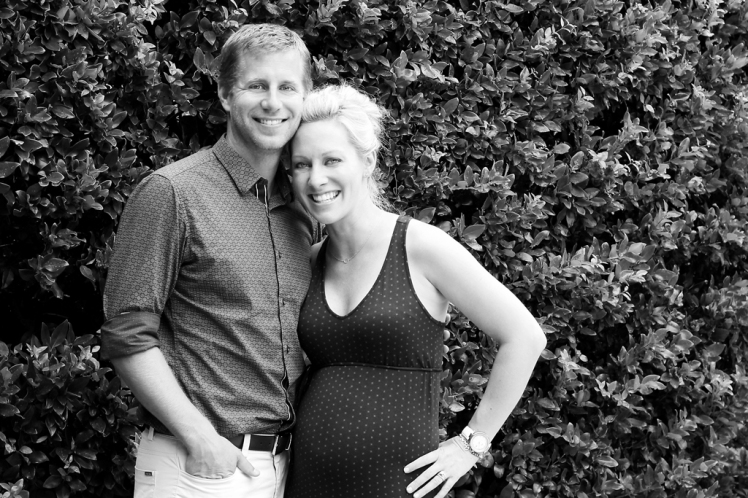 couple-maternity-photo-shoot-houston-texas