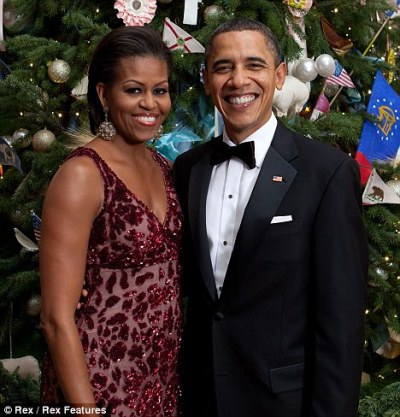 Official holiday pic of the Obamas, before they took off for balmy Hawaii.